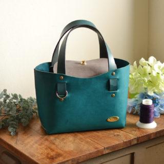 『身軽にお出かけ』一枚革のミニトートバッグ(国産オイルレザー・全2色)